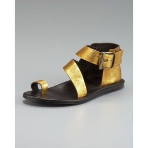 Donald J. Pliner Gold Leather Toe Ring Sandal 8
